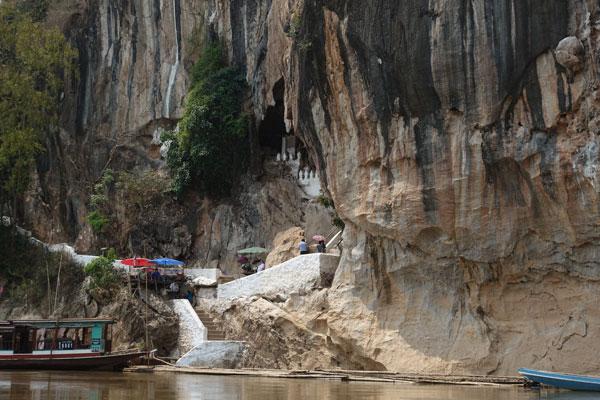 Reisebericht Laos Sehenswürdigkeiten Luang-Prabang-Tagesausflug-Pak-Ou-cave