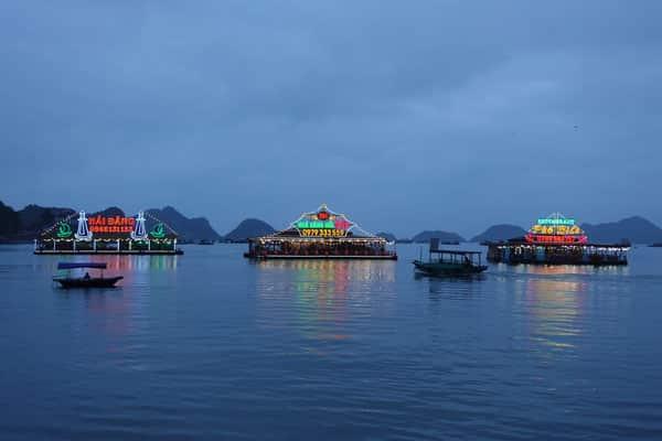 Reisebericht Vietnam Sehenswürdigkeiten Halong Bay Han La Bay und Cat-Ba Stadtbild