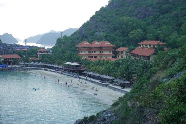 Reisebericht Vietnam Sehenswürdigkeiten Halong Bay Han La Bay und Cat-Ba Strände-Cat-Co-3