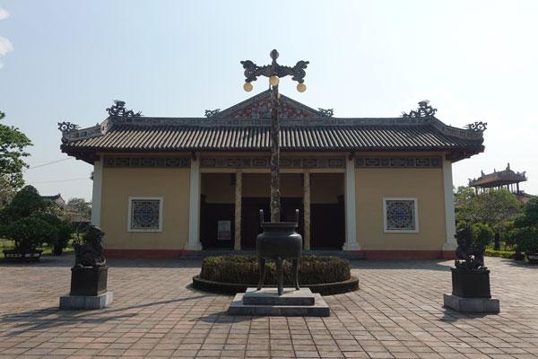 Reisebericht Vietnam Sehenswürdigkeiten Hue Imperial City Kaiserstadt Royal Theater