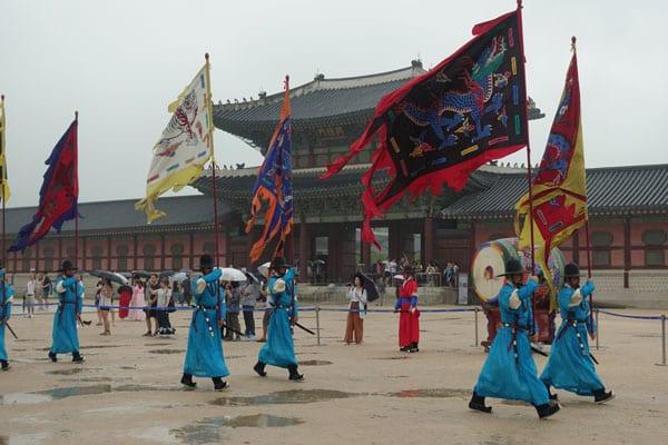 Seoul Sehenswürdigkeiten Gyeongbokgung Palace Wachwechsel