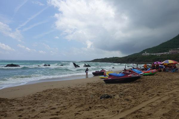 Kenting Nationalpark Tagesausflug mit dem Moped Chuan Fan Shi Beach