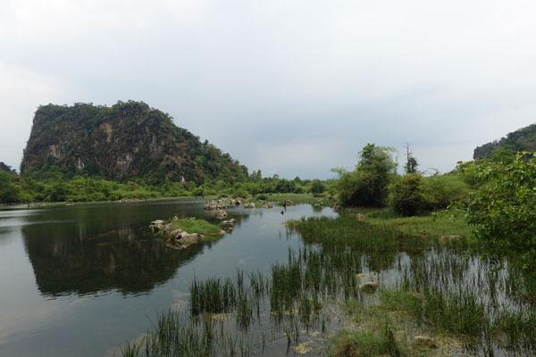 Reisebericht Laos Loop in Laos Lagune-bei-Tham-Pha-Fa-Buddha-Höhle