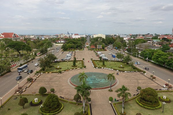 Reisebericht Laos Sehenswürdigkeiten Vientiane-Aussicht-von-Patuxai