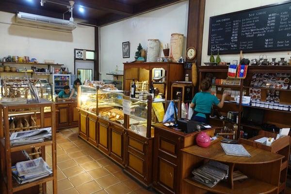 Reisebericht Laos Sehenswürdigkeiten Vientiane-Bäckerei-Le-Banneton