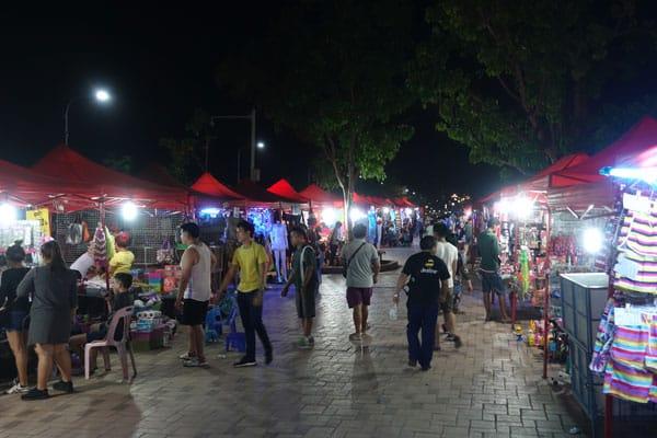Reisebericht Laos Sehenswürdigkeiten Vientiane-Night-Market