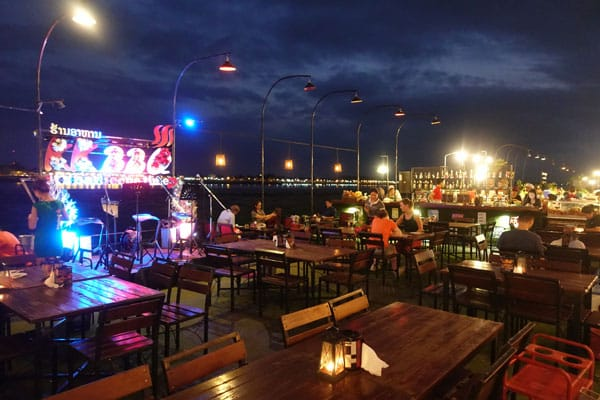 Reisebericht Laos Sehenswürdigkeiten Vientiane-Strandpromenade-Restaurants