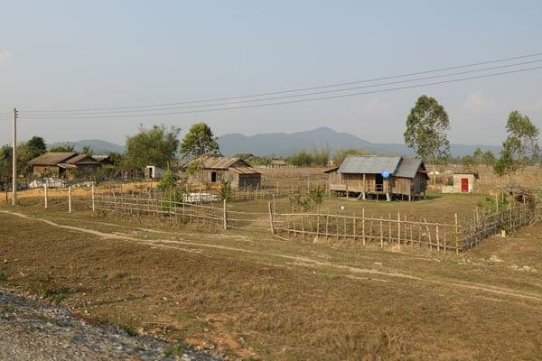 Reisebericht Laos Sehenswürdigkeiten Ebene-der-Tonkruege-Landschaft