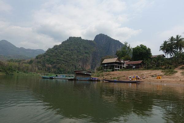 Reisebericht Laos Sehenswürdigkeiten Luang-Prabang-Pak-ou-cave-unterwegs