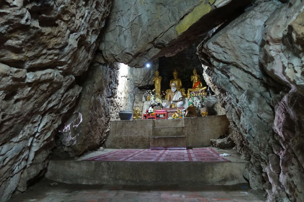 Reisebericht Laos Sehenswürdigkeiten Luang-Prabang-Phousi-Hill-Wat-Thammo-Höhle