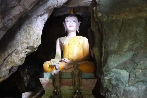Reisebericht Laos Sehenswürdigkeiten Vang-Vieng-Höhle-Tham-Hoi