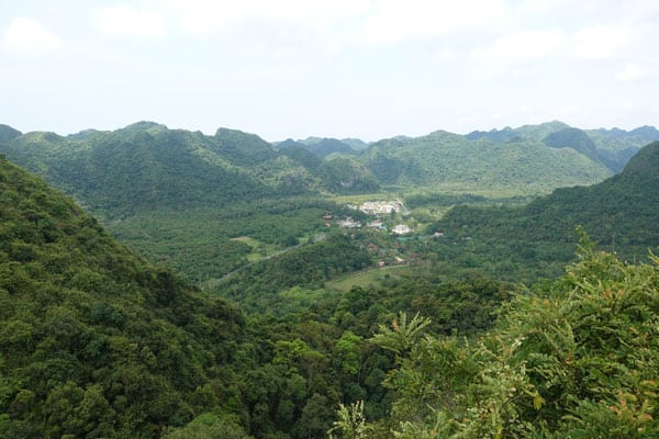Reisebericht Vietnam Sehenswürdigkeiten Halong Bay Han La Bay und Cat-Ba Ngu-Lam-Peak