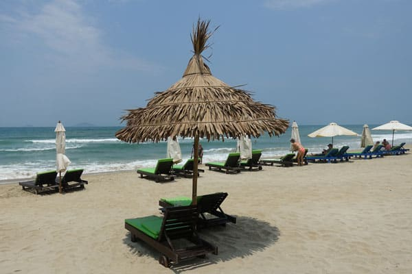 Reisebericht Vietnam Sehenswürdigkeiten Fahrt von Hue nach Hoi an über Da Nang Da Nang Strand