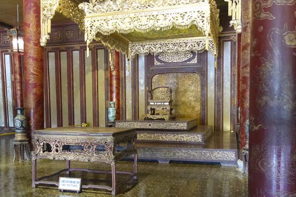 Reisebericht Vietnam Sehenswürdigkeiten Hue Imperial City Thron