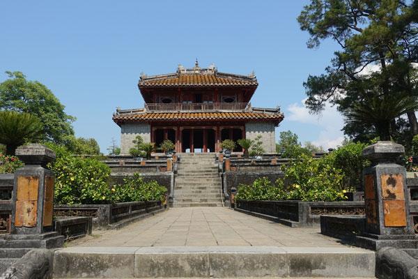 Reisebericht Vietnam Sehenswürdigkeiten Hue Minh Mang Tomb Tempel