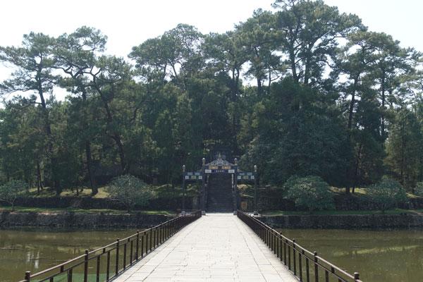 Reisebericht Vietnam Sehenswürdigkeiten Hue Minh Mang Tomb Brücke