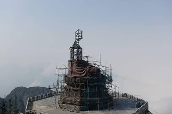 Reisebericht Vietnam Sehenswürdigkeiten Sapa Fansipan-Legend-Baustelle