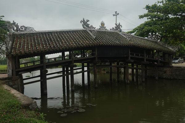 Reisebericht Vietnam Sehenswürdigkeiten Fahrt von Hue nach Hoi an über Da Nang Thanh Toan Brücke