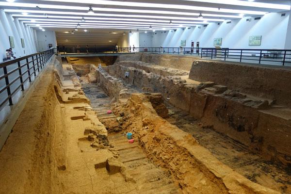 Terrakotta-Armee-Xi-an-Mausoleum-erster-Kaiser-Qin-Dynastie-Pit-9901