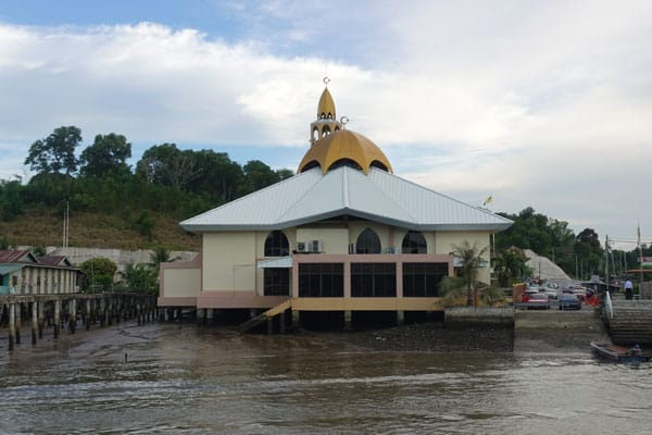 Brunei Sehenswürdigkeiten Bandar Seri Begawan Bootstour Kampong Ayer Water Village