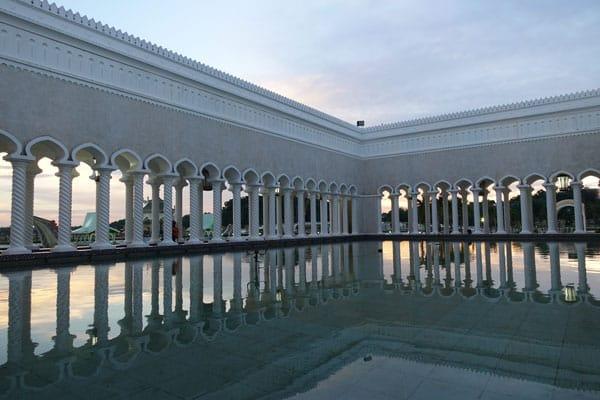Brunei Sehenswürdigkeiten Bandar Seri Begawan Sultan Omar Ali Saifuddin Moschee