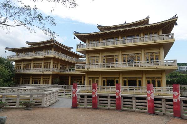 Fo Guang Shan Buddha Museum bei Kaohsiung Zwillingspagode