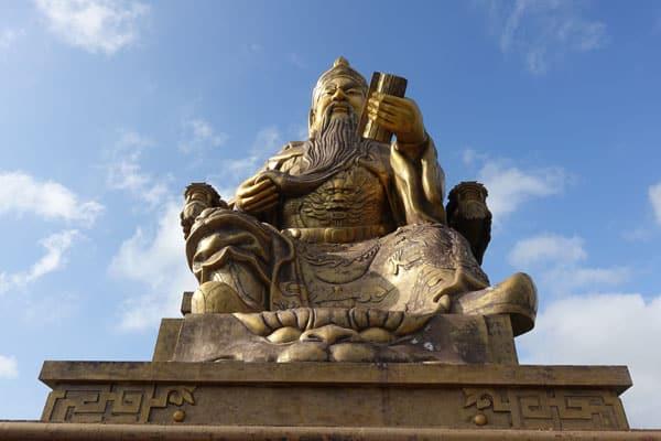 Kenting Nationalpark Tagesausflug mit dem Moped Guandi Taoist Tempel in Tongbu bei Checheng