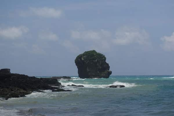 Kenting Nationalpark Tagesausflug mit dem Moped Sail Rock