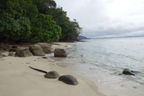 Kota Kinabalu Sehenswürdigkeiten KK Sapi Island Tagesausflug Trail